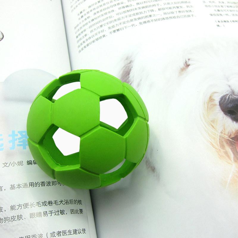 红脚丫 绿色橡胶弹力空心足球狗玩具 s号长约6.0cm
